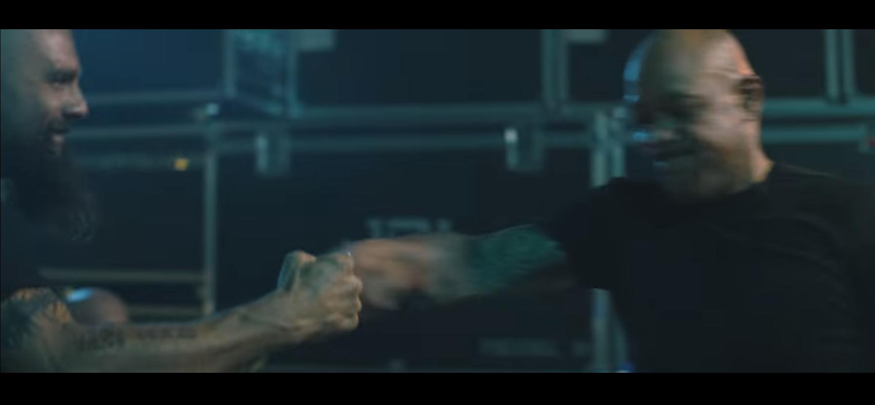 fistbump